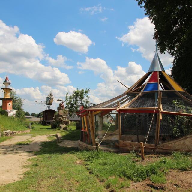 Cirque Poulailler du Poète ferrailleur