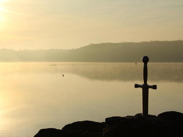 Epée Lac De Trémelin Broceliande en Bretagne