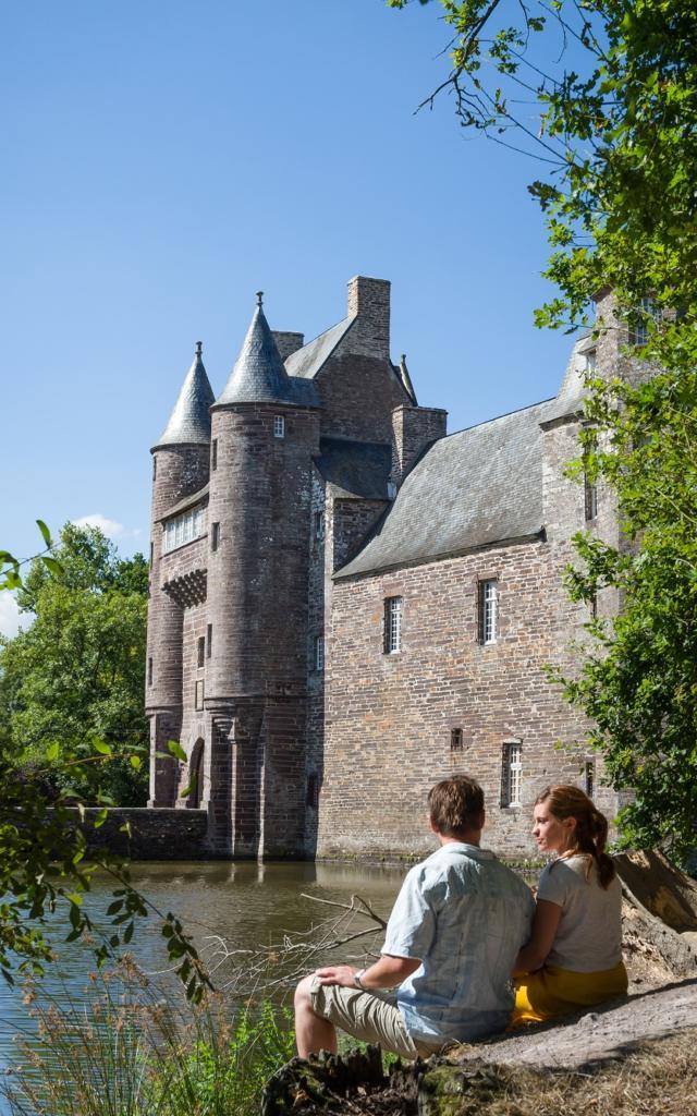 château légendaire, schiste rouge, Campénéac, Morbihan (56), Bretagne