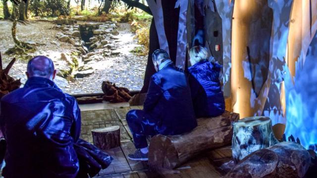 Au coeur de la forêt, la Porte des Secrets, Bretagne.
