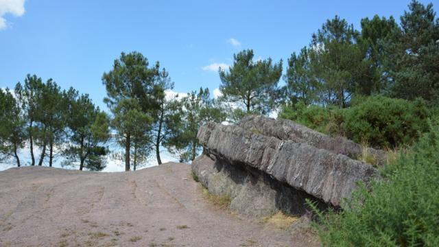 Siège de Merlin, site légendaire sur les hauteur du Val sans retour en forêt de Brocéliande