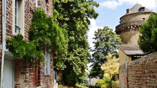 Tour de Papegaut - Montfort