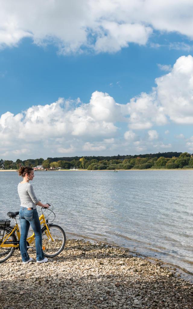 Vélo Bike tour sur la voie verte le long du lacr la voie verte le long du lac