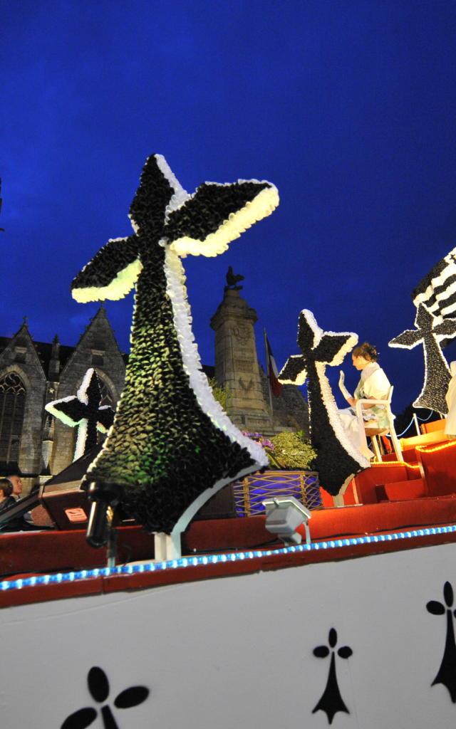 Parade Nocturne carnaval Ploërmel char breton