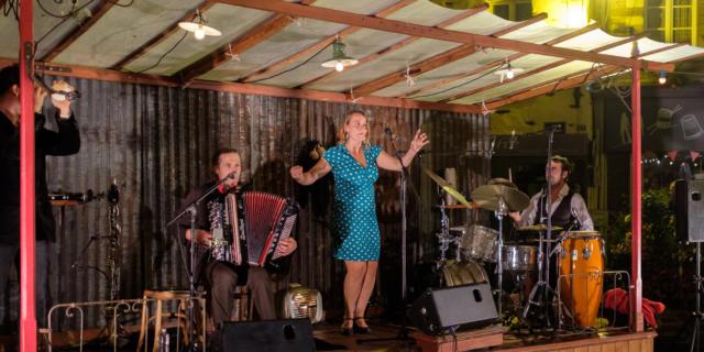 Groupe de musique aux vendredis du canal
