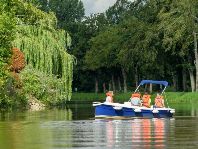 Bateau électrique Canal Josselin