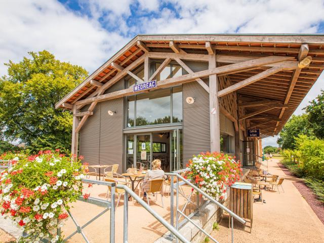 Gare vélo-rail de Médréac - Terrasse café